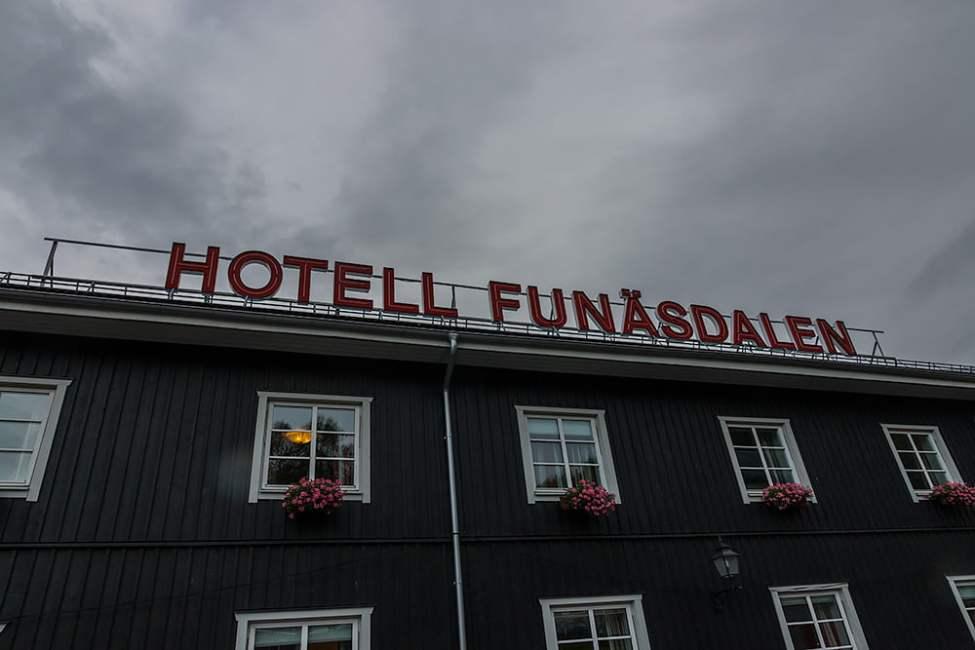 Hotell igen! Snart mer hotell än tältnätter på paddelturerna ;)