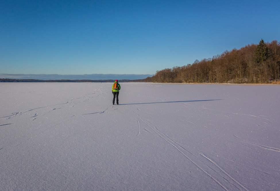 Plattvatten med 2cm snö överst