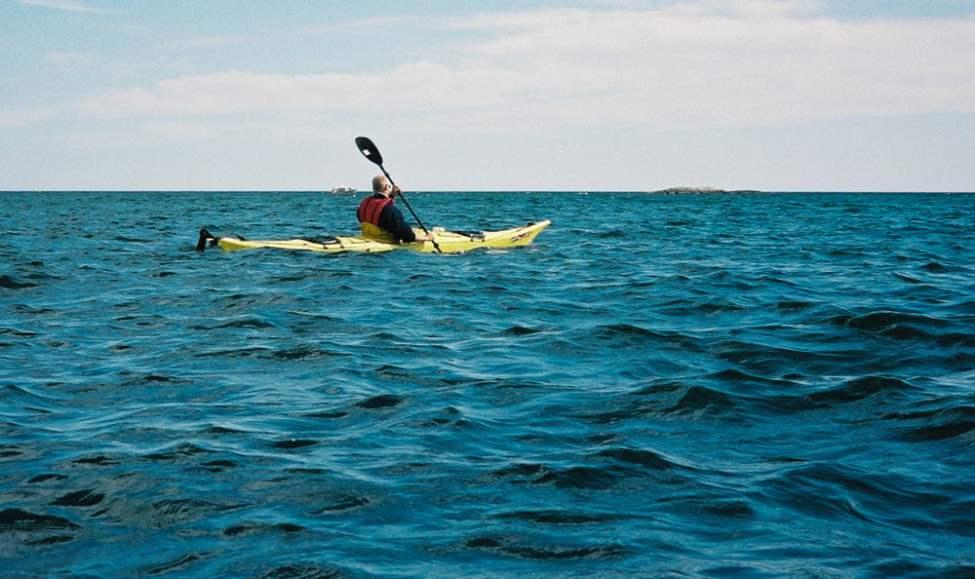 """Johan """"Lillebror"""" Sjöstedt mötte havet för första gången med sin Prijon Seayak."""