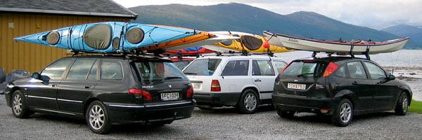 Utanför stugan på Nesna camping