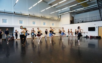 TanzTanz_StaatsballettBerlin_kakakiri_Jewels_Balanchine (9)