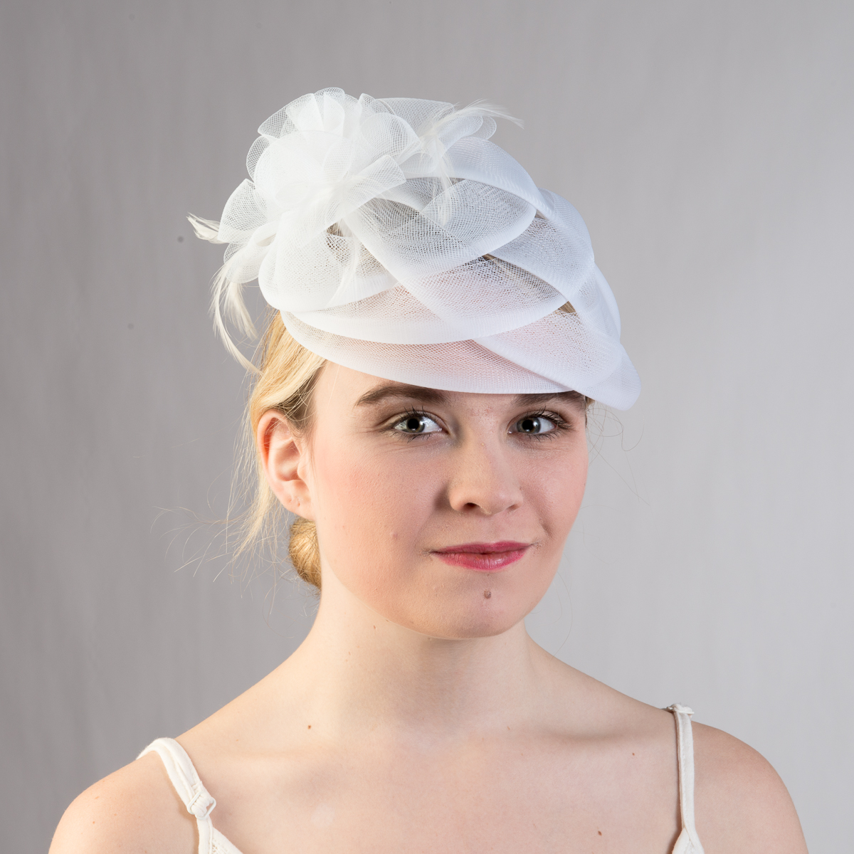 White Basket Weave Feather Bow Comb Fascinator Cocktail
