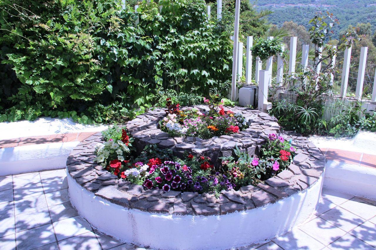 Garten kalabrien Ferienhaus