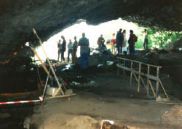 Το σπήλαιο της Θεόπετρας στην Καλαμπάκα