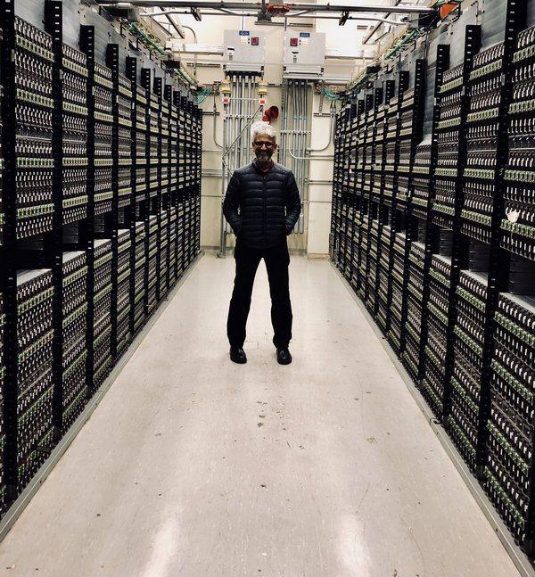 Intel   40 000  Xeon
