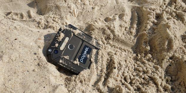 Poptel P9000 Max: смартфонът с който може да се изкъпеш в морето и да се разплащаш