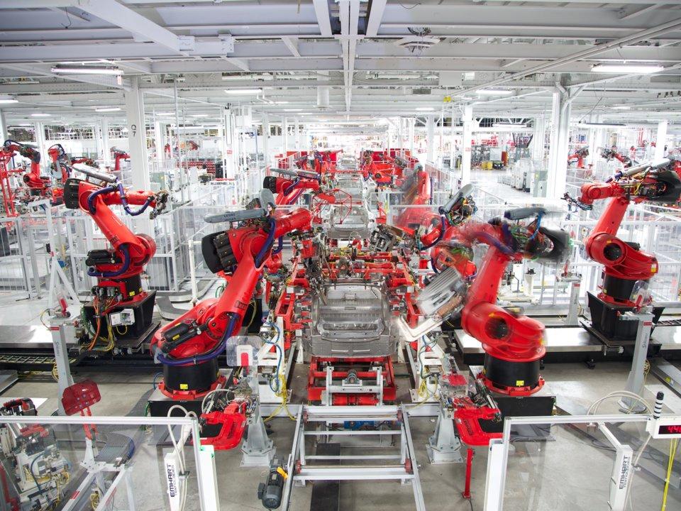 Никой вече не си спомня производствените проблеми на Tesla с