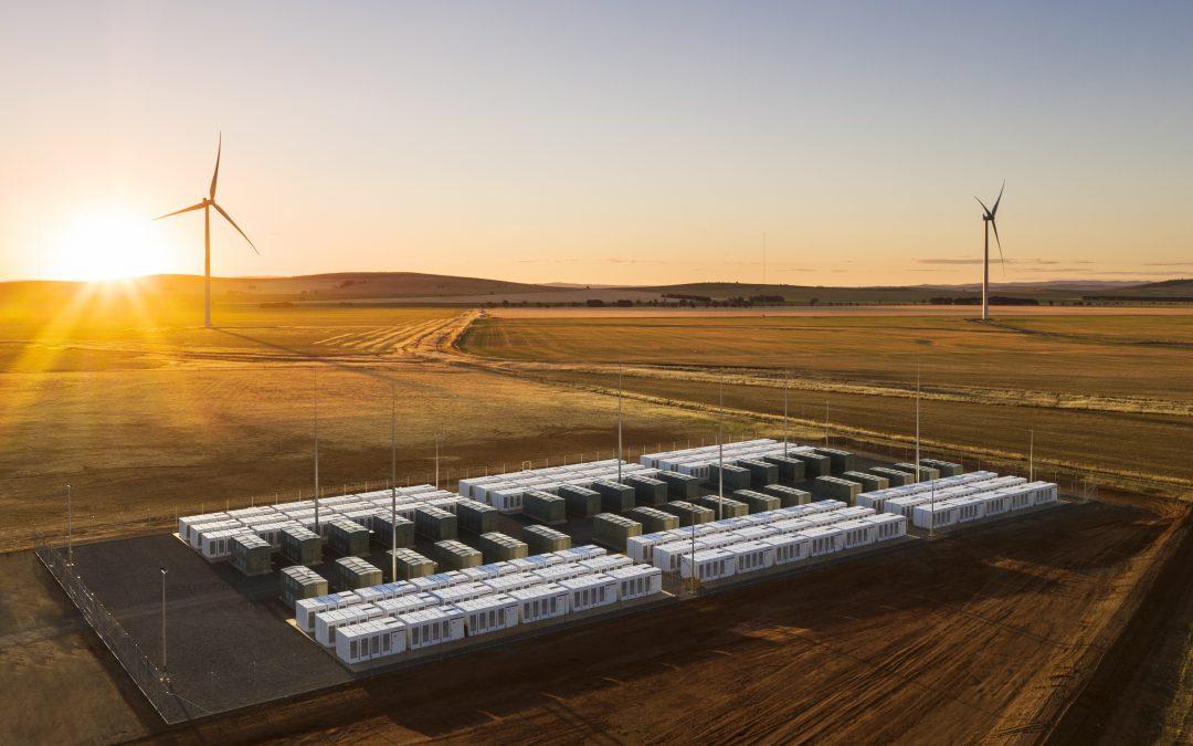Литиево-йонното хранилище на енергия, построено от Tesla, неотдавна навърши една
