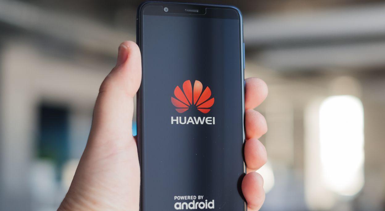 В последно време Huawei и ZTE биват забърквани доста често