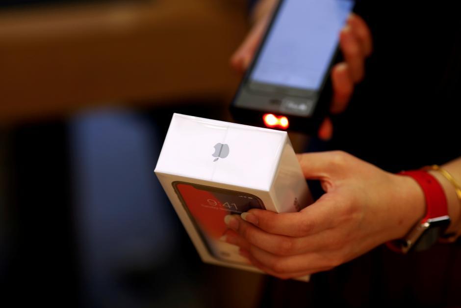 Снимка: Apple отчаяно се опитва да спаси продажбите на iPhone