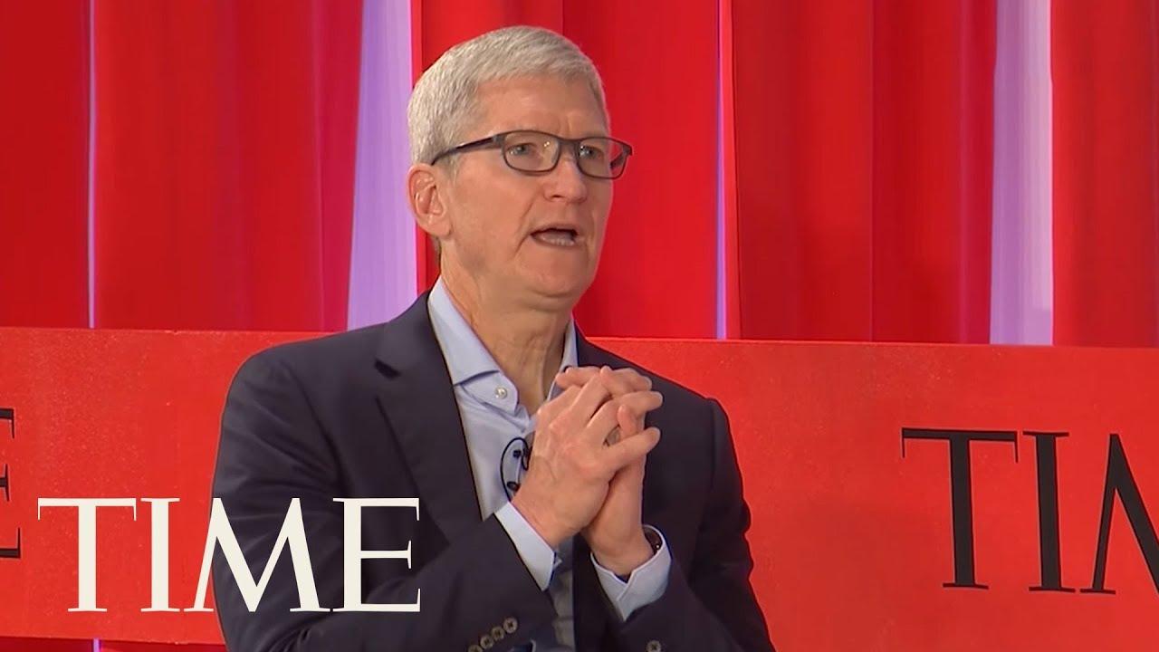 .td_uid_42_5cc1679f16f7f_rand.td-a-rec-img{text-align:left}.td_uid_42_5cc1679f16f7f_rand.td-a-rec-img img{margin:0 auto 0 0}Изпълнителният директор на Apple Тим Кук
