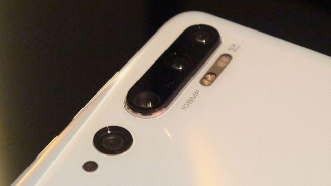 Xiaomi Mi Note 10 (портретната камера е най-горната)