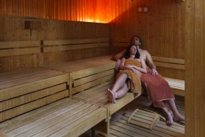 5 Reasons to Hop In a Sauna ASAP