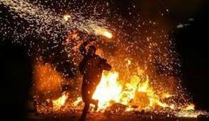 تصویر حوادث چهارشنبه سوری دست کم چهار کشته و بیش از دو هزار مصدوم برجای گذاشته است