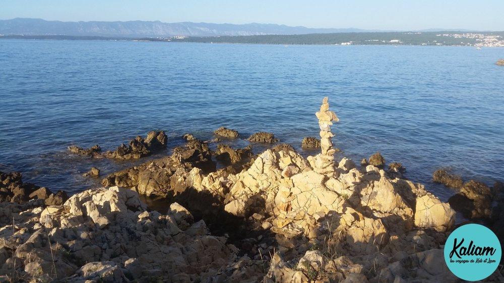 Pas de château de sable mais tour de pierres
