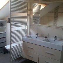 Salle de bains au deuxième étage