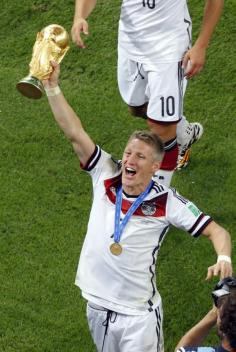 Worldcup 2014 Schweinsteiger with Trophy