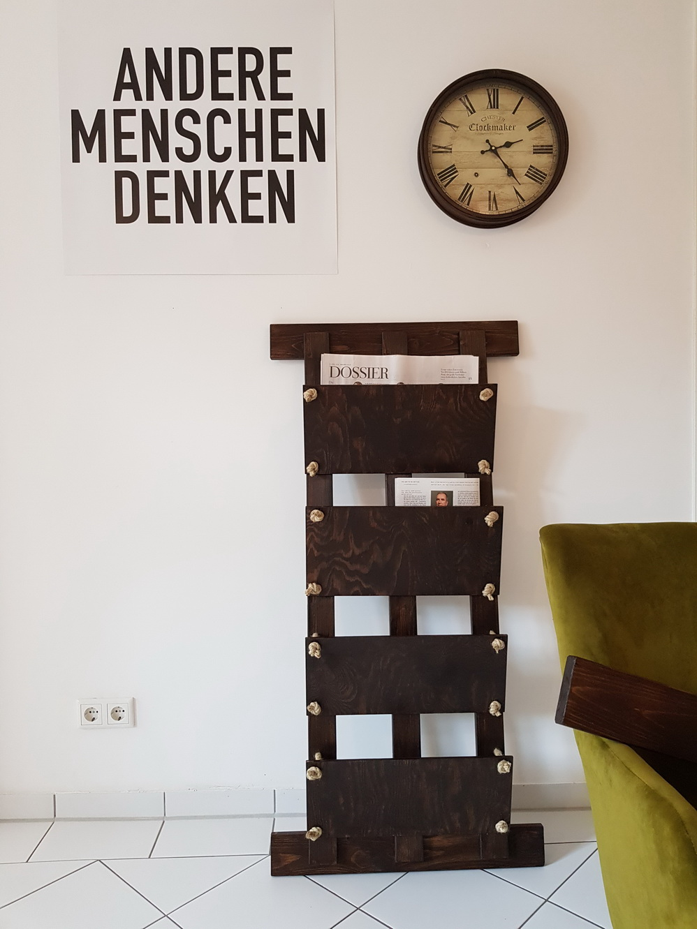 diy-newspaper-rack