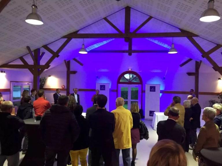 Inauguration du parc dans la salle des fêtes de Fesques