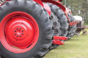 Kopittomien traktoreiden kokoontumisajot 12.8.2017