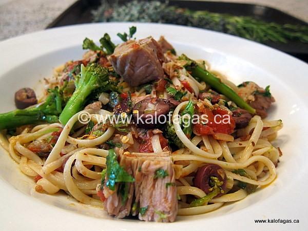 Makaronada With Tuna Roast Peppers Capers Kalofagas Greek