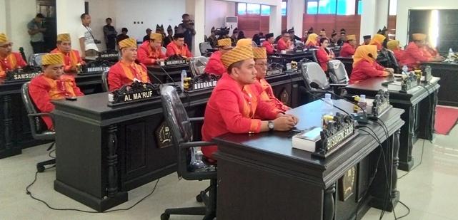 Ketgam : Anggota DPRD Konawe saat mengikuti Paripurna HUT Konawe ke 59 tahun di aual ABD Samad/foto : Humas DPRD Konawe