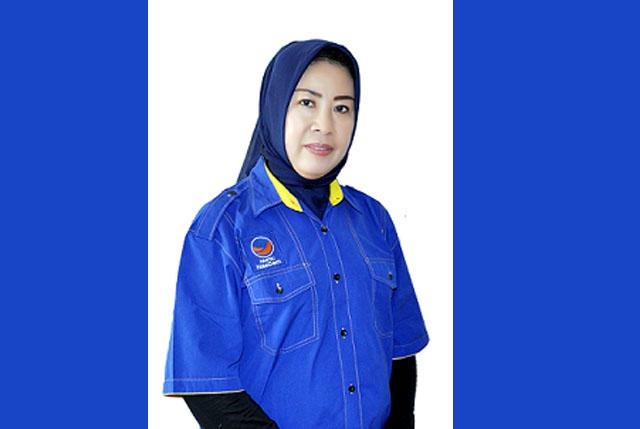 Ketgam : Ibu Yati Lukman Abunawas