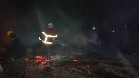 Ketgam : Kondisi rumah Diono yang rata dengan tanah usai dilalap si jago merah, /foto : Januddin Kalosara News