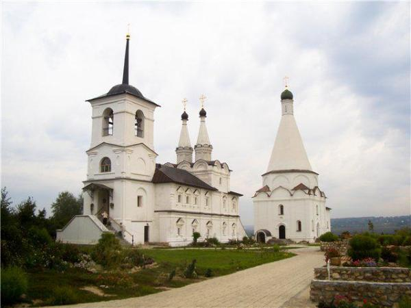Спас-на-Угре (Спасо-Воротынский монастырь). Пригородная ...