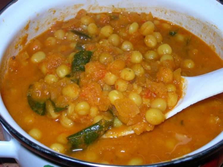 Pattani Masala (Dry Peas Masala)