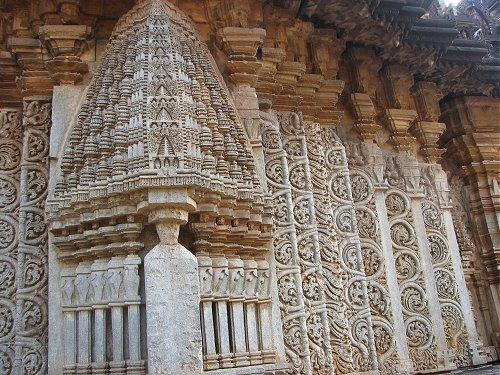 Amriteswara temple, Karnataka.jpg
