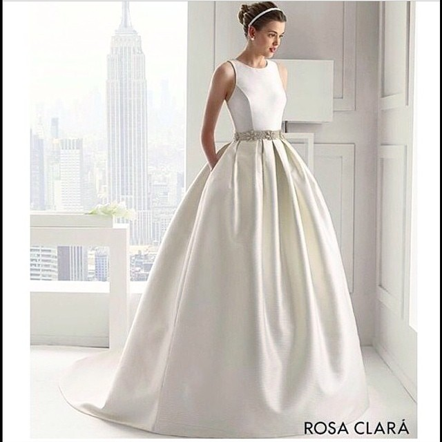 Petite Gowns For Weddings: How To Find The Perfect Wedding Dress For Your Body Type