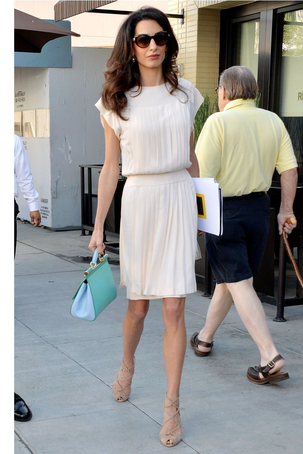 Amal Clooney does work style perfectly 2