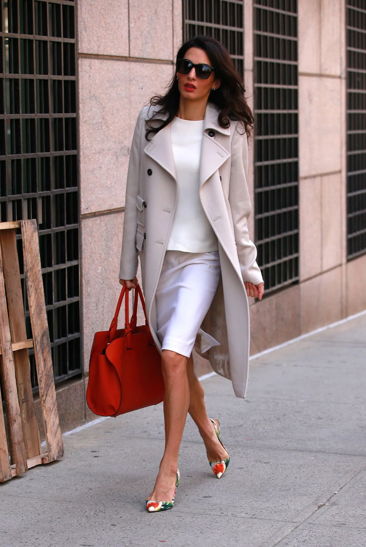 Amal Clooney does work style perfectly 9