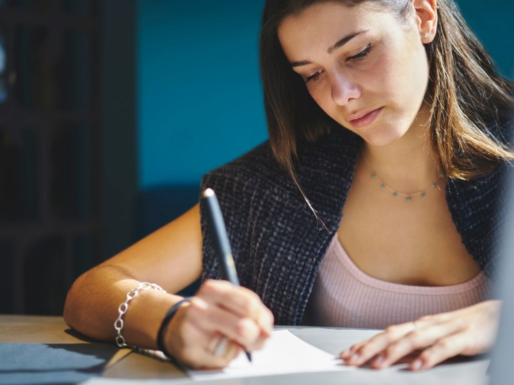 hoe schrijf ik een essay