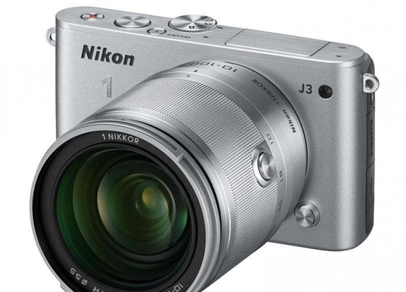 KOMPAKT: Nikon 1 J3 er lett og kompakt. (Foto: Nikon)
