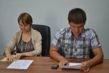 Фото. заседание рабочей группы. Рощина М.А. и Царегородцев В.В.
