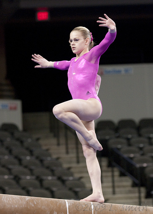 Kamerin Moore, floor exercise, Japan 2009