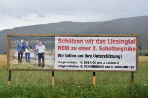 Transparent gegen die Errichtung der 2 Schottergruben