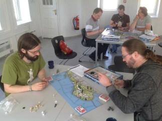 Tyskland møter sterk motstand i vest og nord på bord 2.