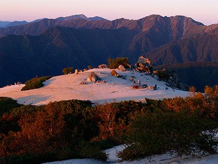 Takushi-dake summit