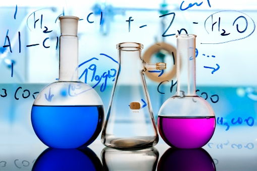 10 Perguruan Tinggi dengan Jurusan Teknik Kimia Terbaik di Indonesia
