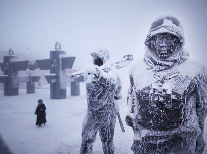 15 Dakika dışarda bekleyen donuyor. Dünyanın en soğuk şehri