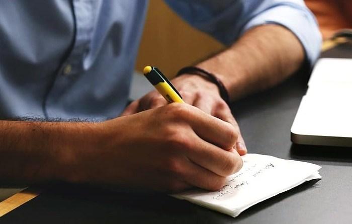 Kiat Menulis Artikel