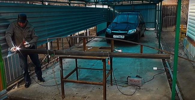 Foto: ini adalah bagaimana kita mendapatkan paip bengkok untuk kanopi