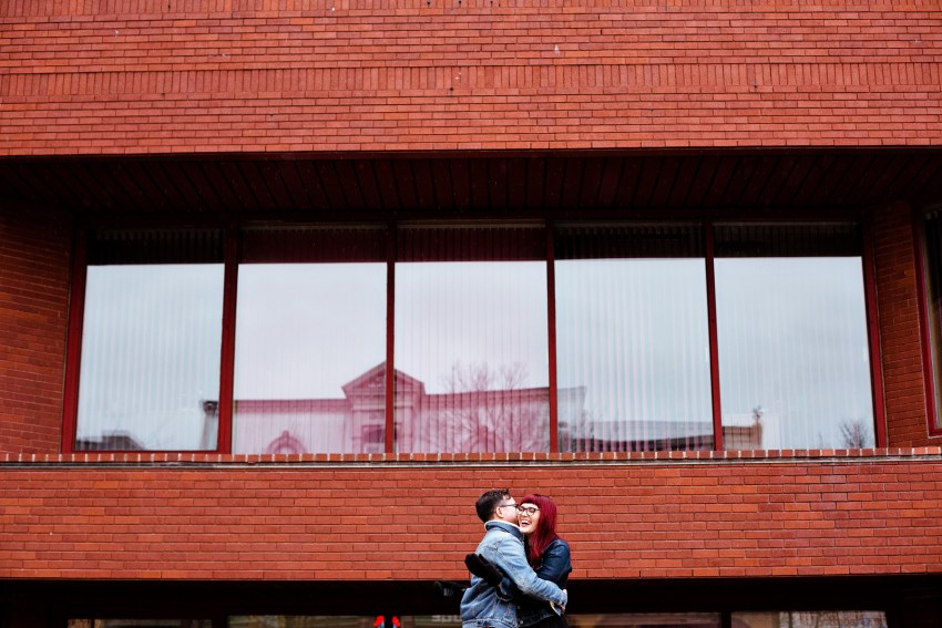 rainy day engagement photos by Kandise Brown
