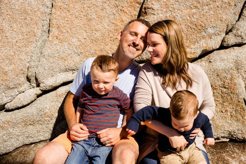 07-peggys-cove-family-portraits-kandisebrown