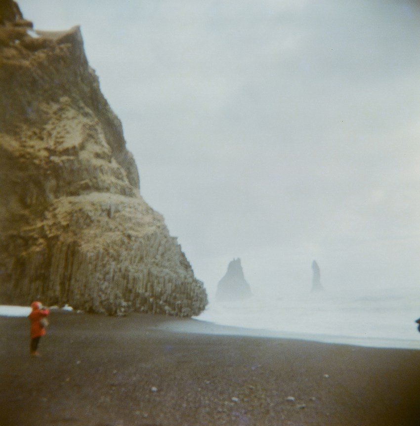 07-holga-film-photography-iceland-kandisebrown