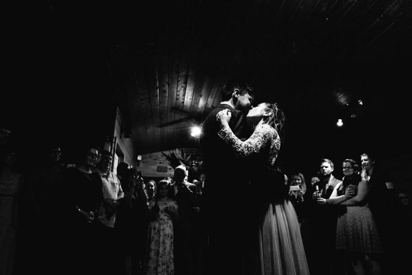 088-oakland-farm-lodge-wedding-kd2017-kandisebrownphotographer