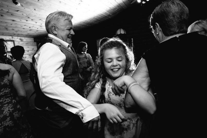097-oakland-farm-lodge-wedding-kd2017-kandisebrownphotographer